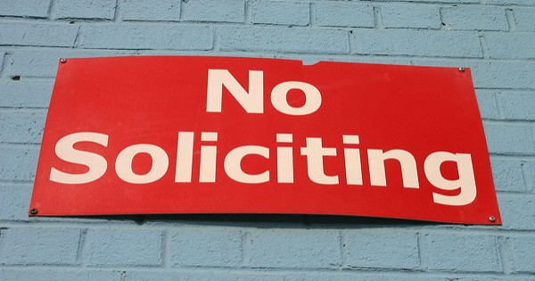 No Soliticing sign