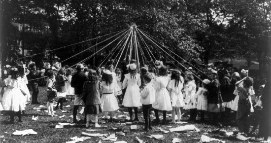 Maypole Dance in Central Park (1905)