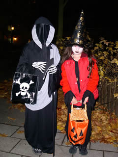 trick-or-treaters in costume
