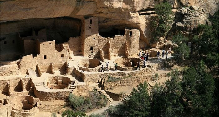 """Mesa Verde National Park"" in Colorado.  Photo by Andreas F. Borchert.  GNU Free Documentation License."