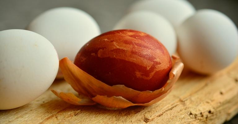 A photo of a Red Krashanka Dyed with Onion Skins