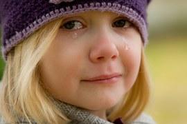 girl crying-572342__180
