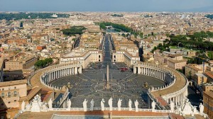 St. Peter's Square Image: Wikimedia Commons