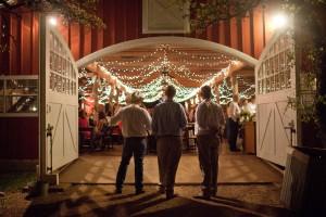 elegant-barn-decorating-ideas-with-barn-dance-decoration-ideas-10