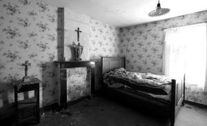 Room, Christ icons