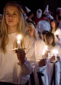 12 13 17 Lucia_procession