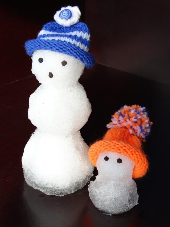 snow-man-636399_1920