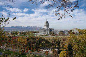 1024px-Utah's_Capitol_Hill_in_2010