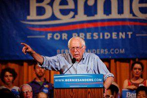 Bernie_Sanders_in_Littleton,_NH,_on_August_24,_2015_(20897434781) (3)