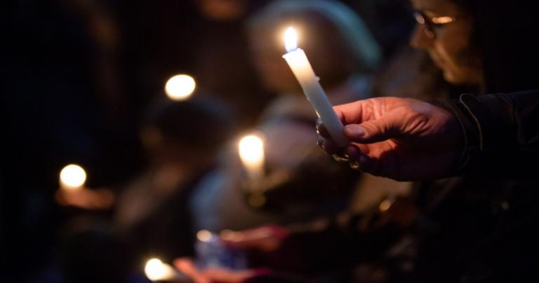 Candlelit vigil for victims of Pittsburgh synagogue shooting