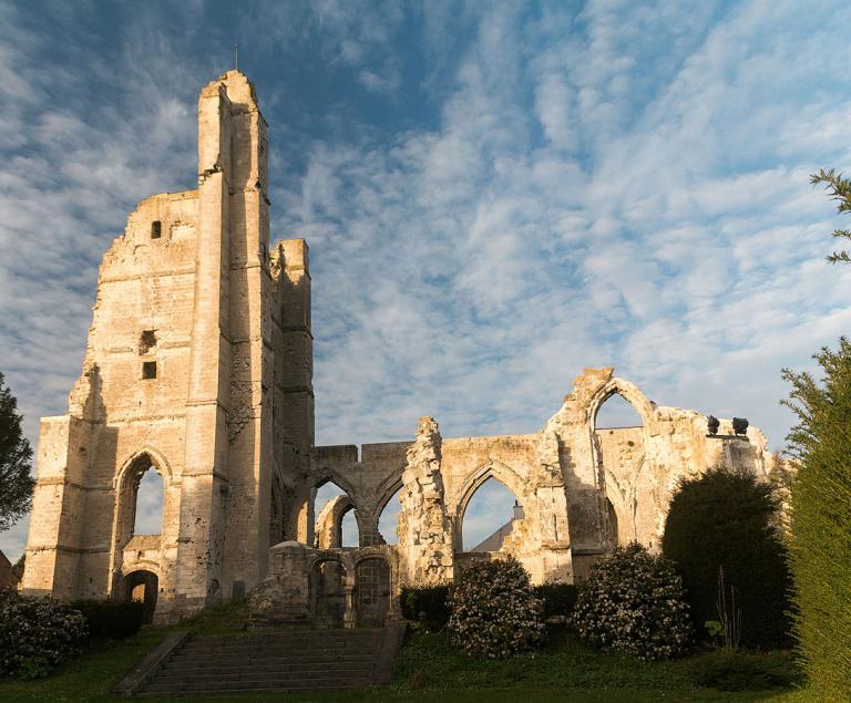 Ruined church in Ablain-Saint-Nazaire