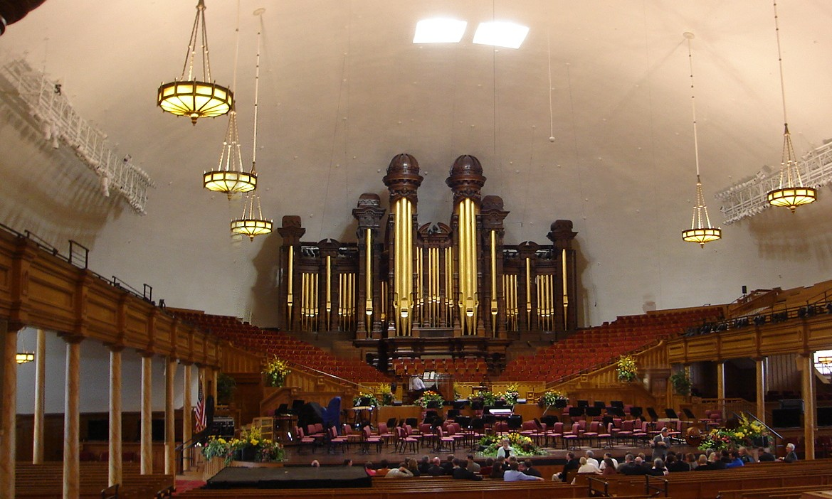 Inside the SLC Tabernacle