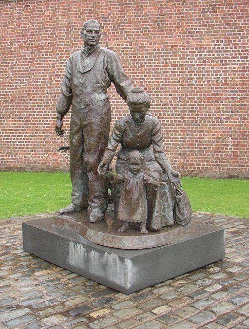 Bolton image of De Graffenried statue