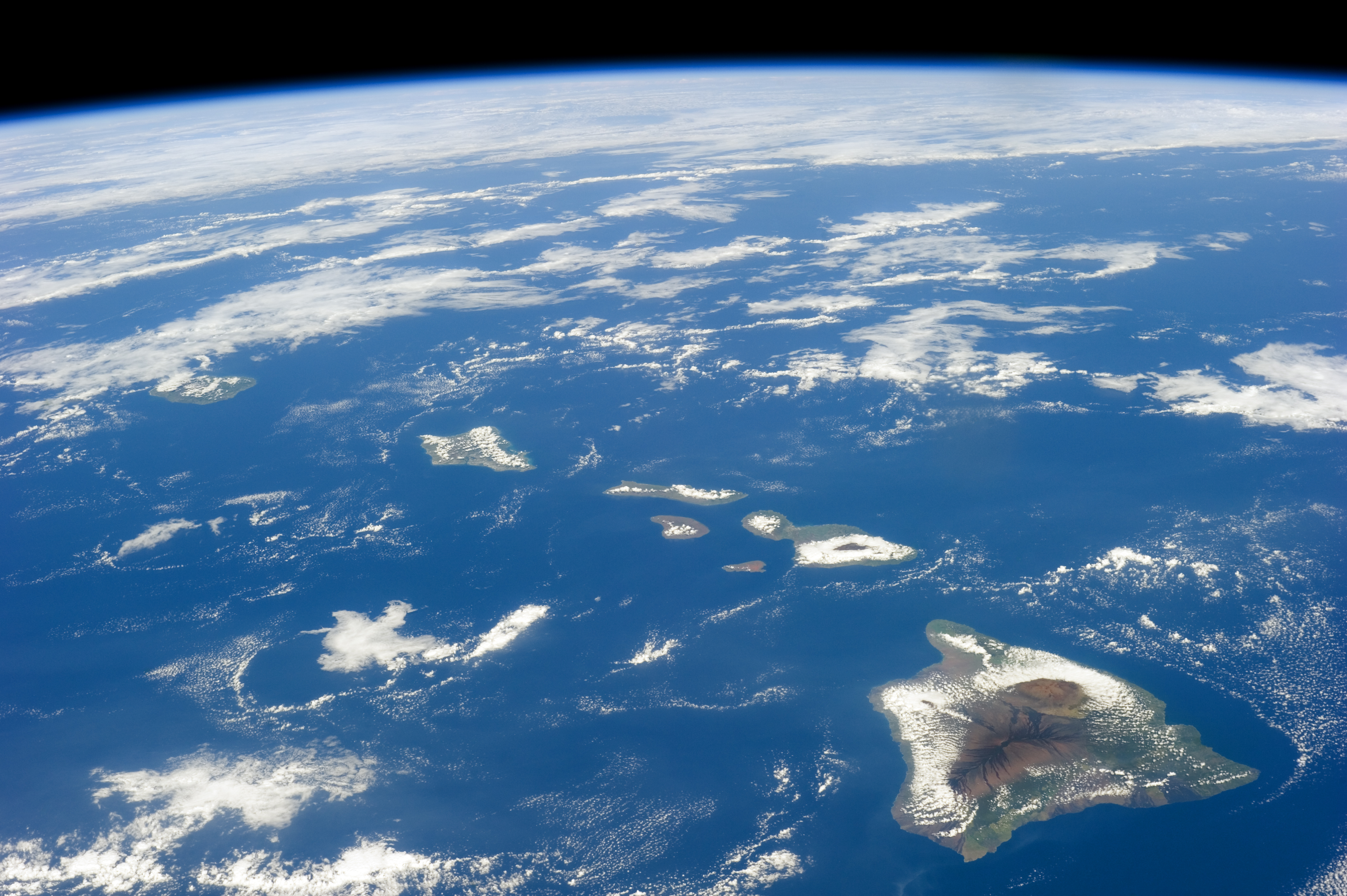 The Hawaiian archipelago from outer space
