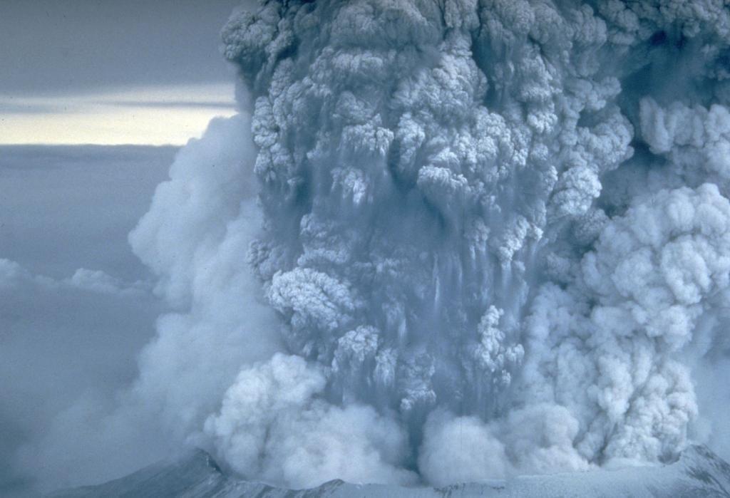 USGS plume photo