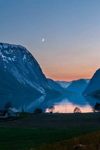 Kjøsnesfjord in the evening
