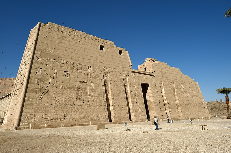 Luxor Medinet Habu