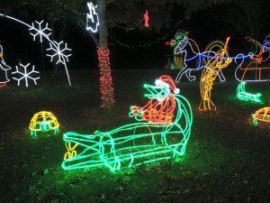 To counter balance all Nancy's blathering about Hanukkah and lights please enjoy this  Santa riding an alligator Christmas lights display recently spotted in the greater New Orleans area.