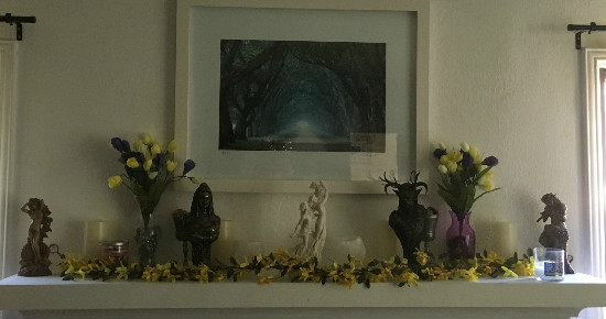 The mantle altar.