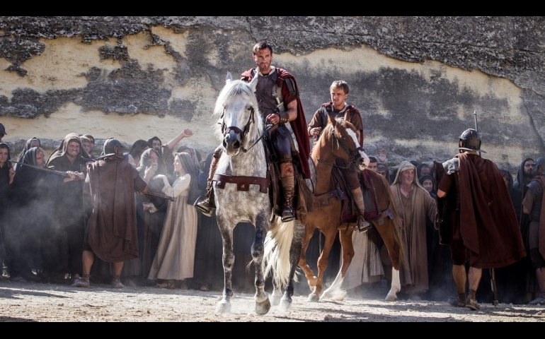 """Joseph Fiennes and Tom Felton star in a scene from the movie """"Risen."""" (CNS photo/Columbia Pictures)"""