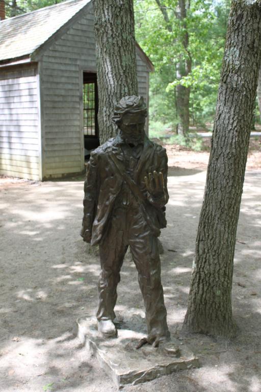 03 09 Thoreau statue