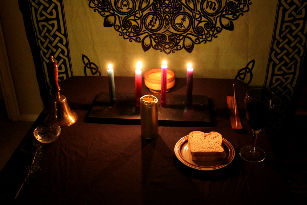 winter solstice altar 2014