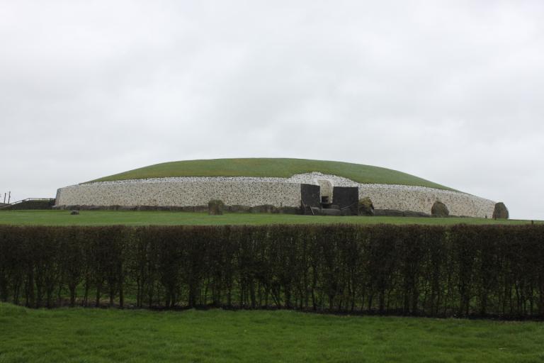 08 11 Newgrange