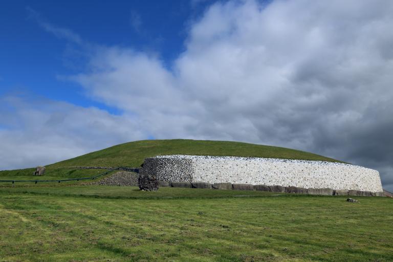 04 130 Newgrange