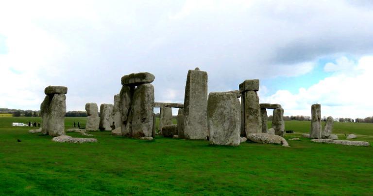 12 141 Stonehenge