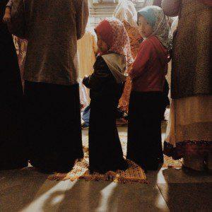 Girls at Eid prayers at Oxford University/Kubra Gumusay