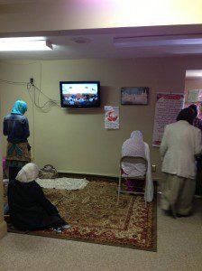 Women praying in separate room/Asifa Quraishi-Landes