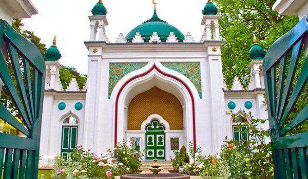 Shah Jahan Mosque in Woking, England/www.islaminbritishstone.co.uk