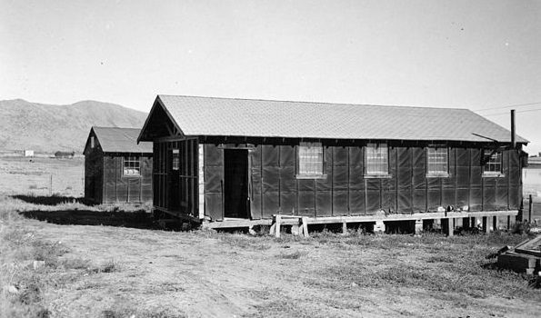 Barracks are from the Japanese Relocation Center and are now furnishing housing for farm labor on Bryant Williams farm in Klamath County, Oregon. By OSU Special Collections & Archives : Commons - Barracks from Japanese American Internment Camp, No restrictions, https://commons.wikimedia.org/w/index.php?curid=28069650