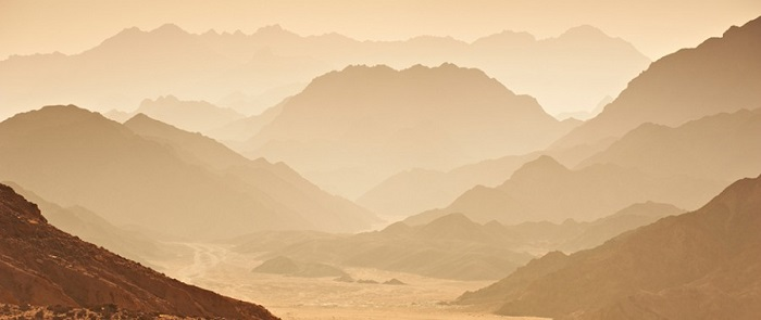 Ibrahim, Hajar and Ismail in the desert.