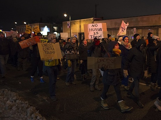 By Fibonacci Blue from Minnesota, USA - Protesters marching against Donald Trump, CC BY 2.0, https://commons.wikimedia.org/w/index.php?curid=53522787