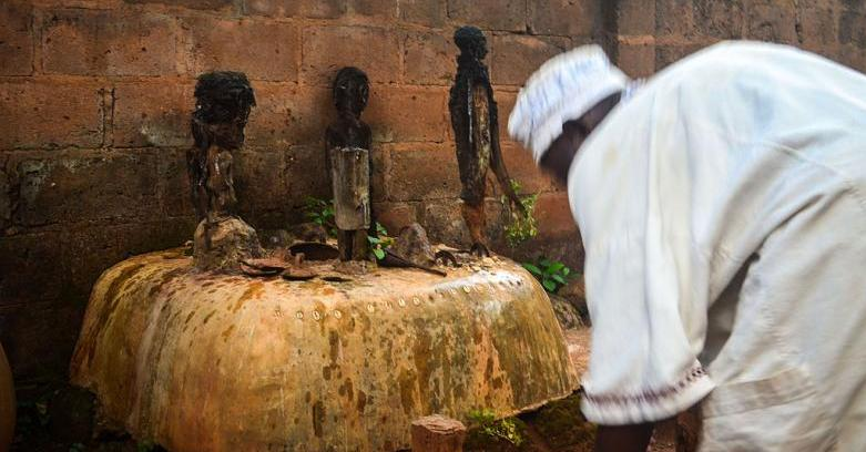 Voodoo_altar_with_several_fetishes_in_Abomey,_Benin