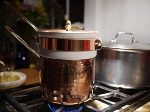 """""""Bain-marie"""" by grongar - originally posted to Flickr as Bain-marie - full. Licensed under CC BY 2.0 via Commons - https://commons.wikimedia.org/wiki/File:Bain-marie.jpg#/media/File:Bain-marie.jpg"""