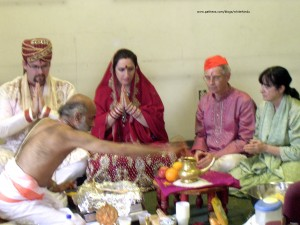 white hindu married in vedic ceremony