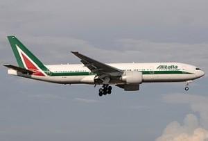 Boeing_777-243(ER),_Alitalia_JP7623959