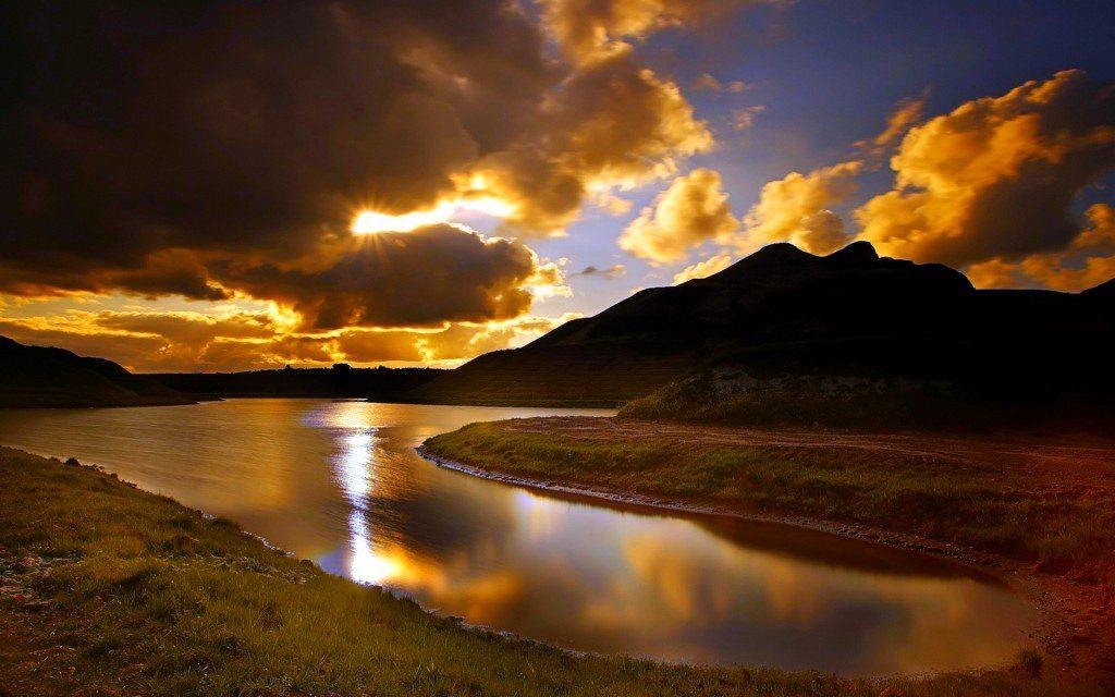 nature-landscapes_widewallpaper_hidden-sun_6805