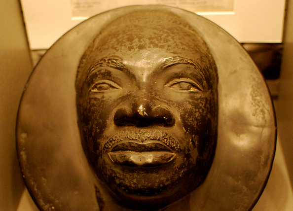 Martin Luther King Jr.'s death mask photo by Karen Neoh. Photo cropped. Licensed under CC 2.0