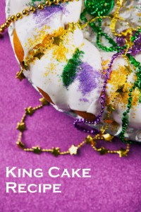 King cake photo, text added. Photo courtesy of Shutterstock. All rights reserved.