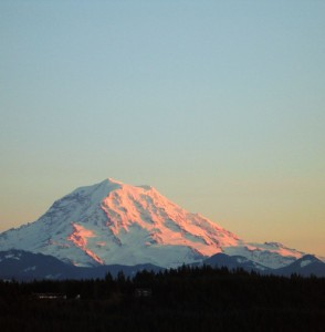 Mount Rainier, by Kathy Calm, wikimedia commons.