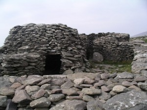 Bee hive huts near Slea Head, Ireland. Warren Buckley, via Wikimedia Commons