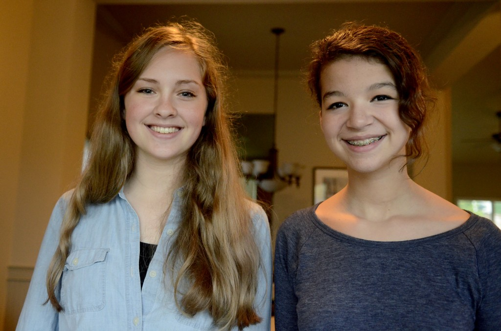 Shelby Conway, left, 14, and Sarina Keightley, 13, both eighth-graders at Straub Middle School (Image via Statesman Journal)