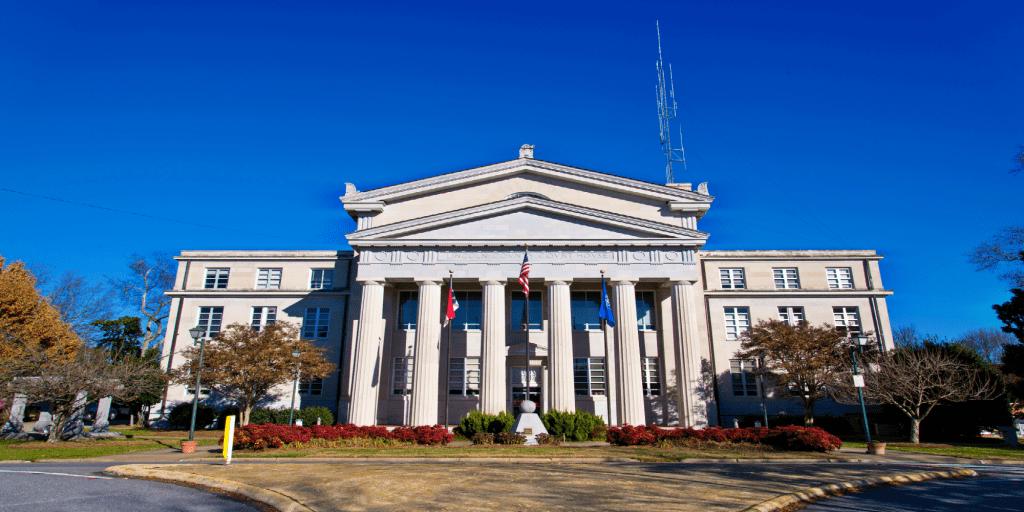 Lincoln County Courthouse (Image via Wikimedia)