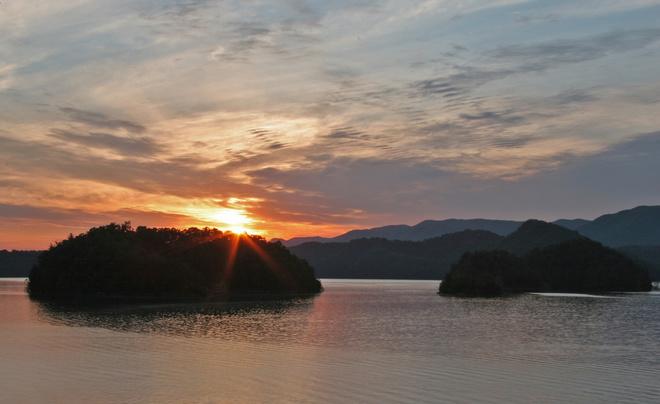 Blanton.Lake_.sunrise