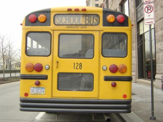 bus-1450340-640x480