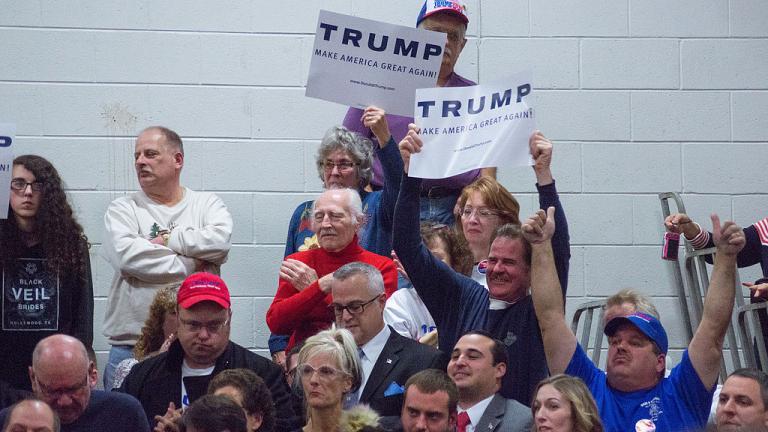 Attendees_at_Trump_rally_Nashua_2015