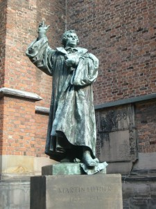 martin-luther-277456_640